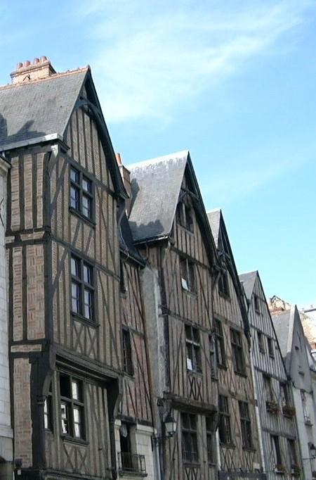 'Each inn, each guildhall . . . '